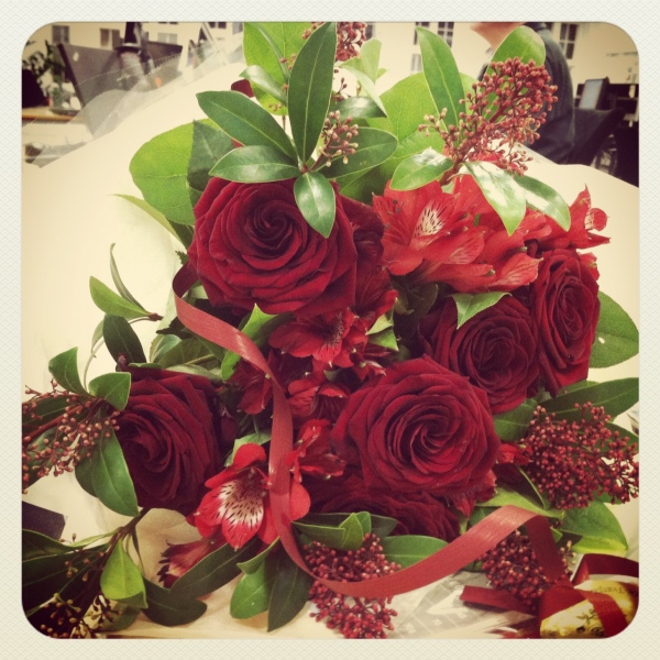 Florería Rosalinda: Envío de Flores y Regalos a