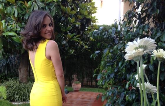 vestido-amarillo-por-detras-zara-verano-2013